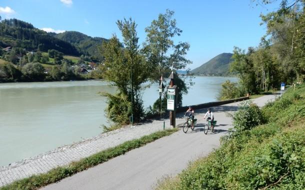 Vídeo Cicloturismo pelo Danúbio, de Passau até Viena