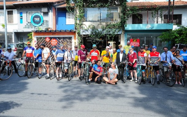 Falzoni pedala no Giro Vecchio
