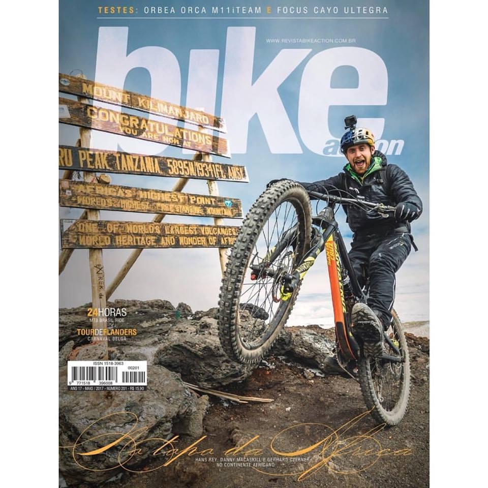 Revista Bike Action Maio 2017 - Pg 66 a 70 - Vales & Vulcões.pdf