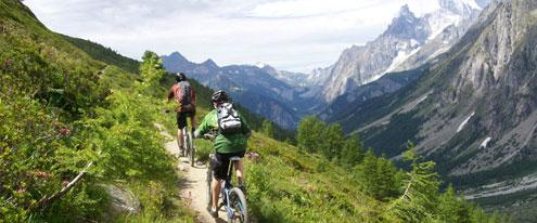 Reportagem Vale D'Aosta - Revista Bike Action nº 233 - Janeiro de 2020 - Pg 52 a 57